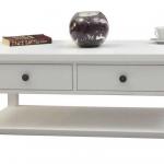 Soffbord lantlig stil finns i många snygga utföranden.