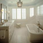 New England badrum ger badrummet en lyxig och ombonad känsla